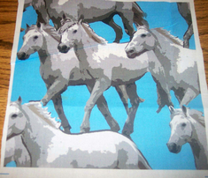 Rseamless_white__horses_comment_262053_thumb