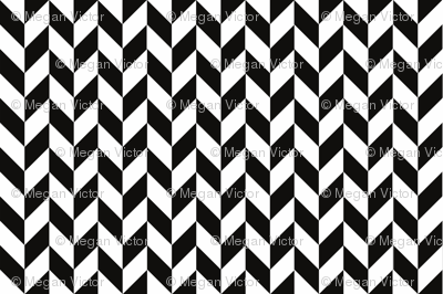 Small Black-White Herringbone