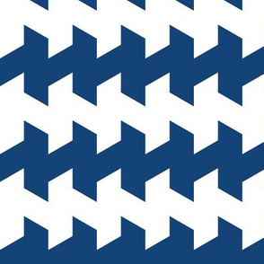 jaggered and staggered in kyanite
