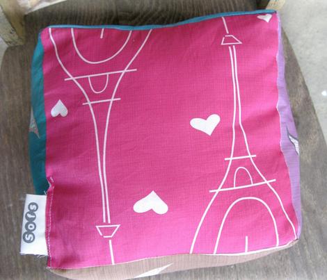 pink Paris Eiffel tower