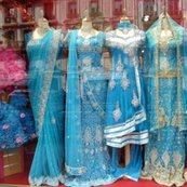 Rblue_saris_in_window_fq_18h_shop_thumb