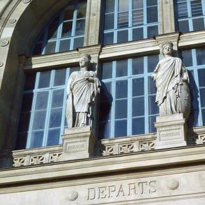 Gare du Nord, Above the Departures Door