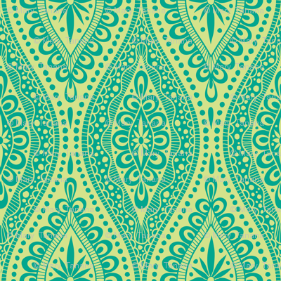 Scallopy-emerald on lime