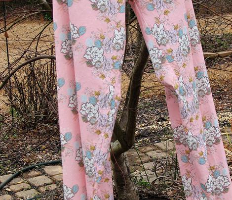 Retro Gardenia floral on pink