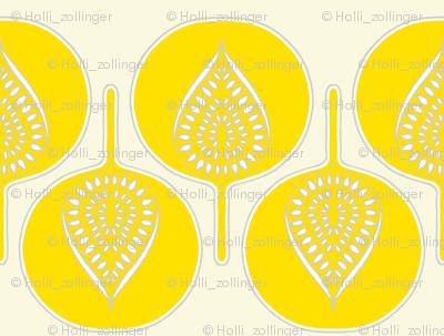 tree_hearts_bright_yellow_cream_lt_grey