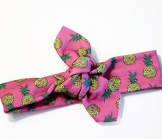 Rrrrrrsmall_pineapples_on_pink_comment_586083_thumb