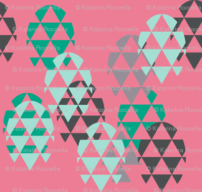Eggs triangles in pink