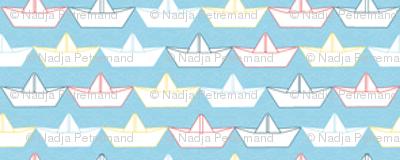 paper_boat_blanc_fond_ciel_XS