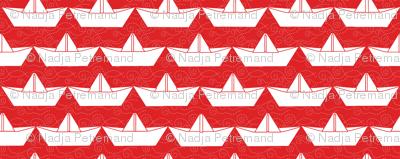 paper_boat_blanc_bord_rouge_L