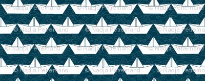 paper_boat_blanc_bord_marine_L