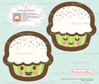 "Cut-&-Sew Plushie: 9"" Cupcake"