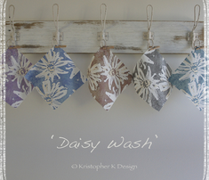 Washed_daisy_-_blue_comment_324384_thumb