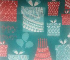 Rhappy_birthdayheaqrts-01_comment_303975_thumb