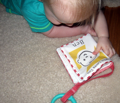 Rrwho-loves-you-baby-cloth-book-v1_comment_302304_thumb