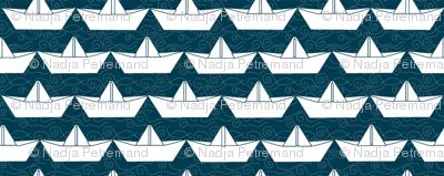 paper_boat_blanc_bord_marine_M