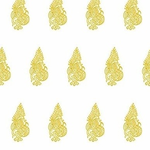 Regency Curled Fern Brass