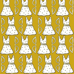 Retro Cateyes & Polka Dresses (MUSTARD)