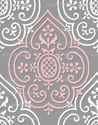 Lace Medallion ~ Dauphine and White on Pewter