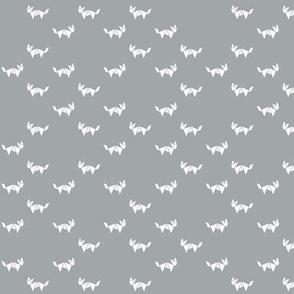 Tangram fox random - white on grey