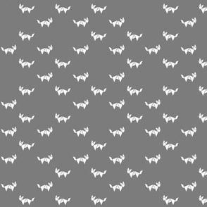 Tangram fox random - white on medium grey