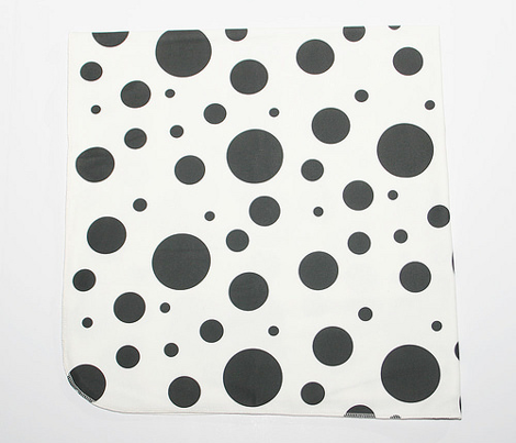 Scattered Circles Black and White
