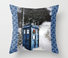 Rrrrrpolice_box_snow_post_card_comment_370411_preview