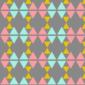 Triangles_MultiGirls