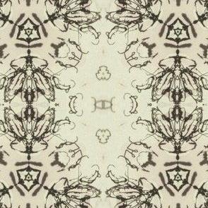 32cm_x_32cm_beetle_motif_B_W