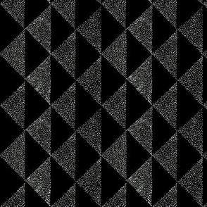 dotty triangles 1 dark