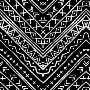 Chalk Tribal Chevron (black)