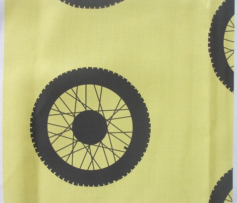 Rbike_wheel_black_on_yellow._comment_385404_preview