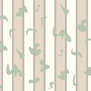 Linear petals green