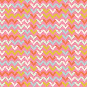 chevron_multico_fond_rose