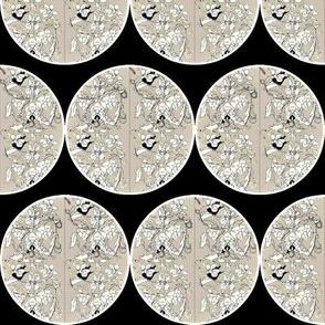 Coins/Beige & Black