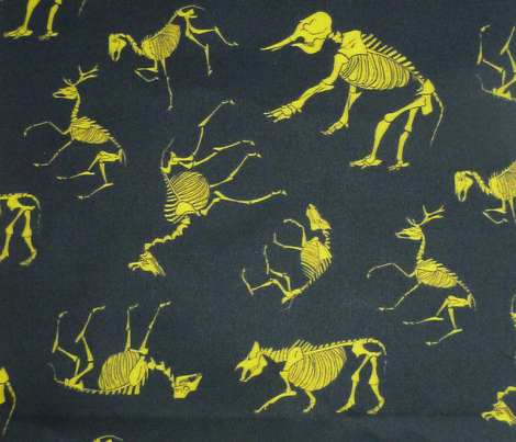 Ungulates black/yellow