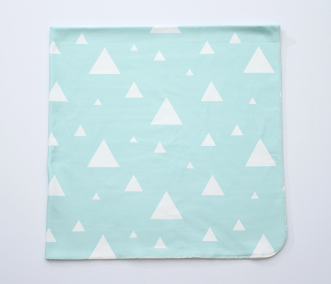 White_triangles_on_mint_revised-04_comment_442126_preview