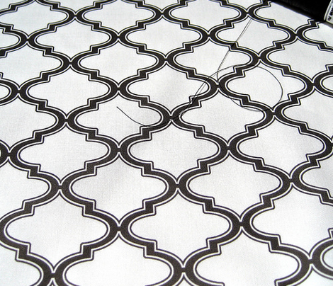 Moroccan quatrefoil, midnight and white