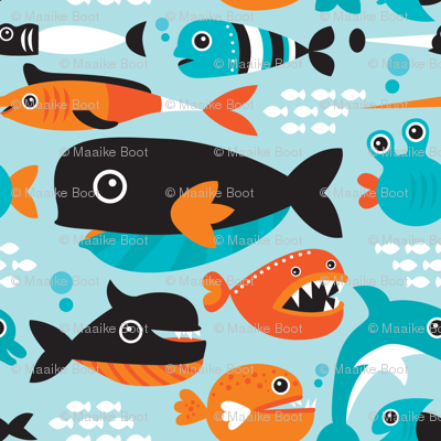 Little fish big fish swimming in the water wallpaper for Fish swimming backwards