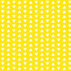 hand drawn triangles yellow // small