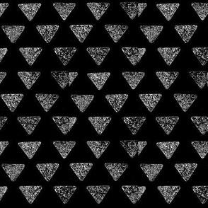 Broken triangel5-grey