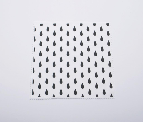 Rrrain_pattern_vertical_white_background-01_comment_460026_preview