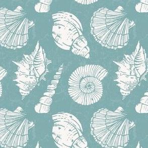 Nautical pattern with seashells