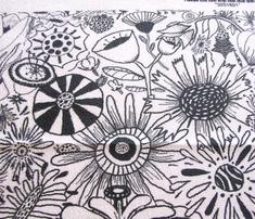 Rrrrrblack_and_white_flowers_half_drop_copy_comment_441059_thumb