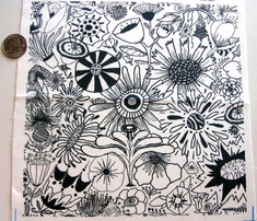 Rrrrrblack_and_white_flowers_half_drop_copy_comment_441060_thumb