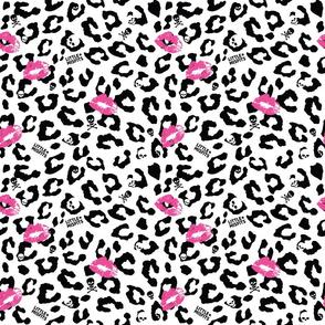 Little Misfits - Leopard Skully - Large