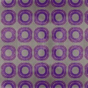 Circle- aubergine