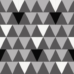 20_Triangle_B-W-G