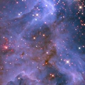 HD Starburst Cluster Shows Celestial Fireworks (2010-07-06)