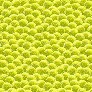 Tennis_Balls_in_a_box