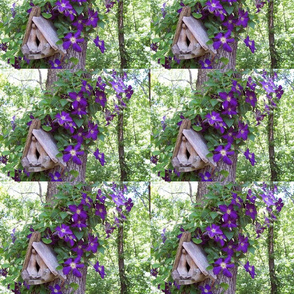 Birdhouse_with_clematis